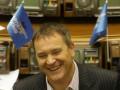 Колесниченко отстаивает свой закон: просит лишить Интертелеком лицензии за отказ перевести договор на русский