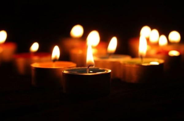 В городах Украины объявляют траур по погибшим в Киеве