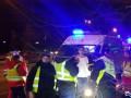 В Киеве Toyota влетела в забор зоопарка, погибла девушка