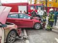 В центре Киева столкнулись две иномарки, есть пострадавшие