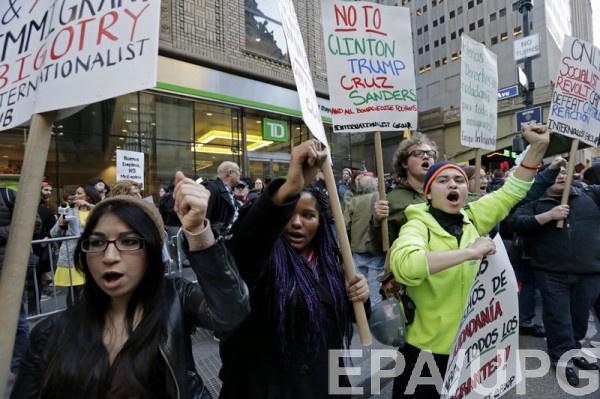В Нью-Йорке активисты вышли на протест против Дональда Трампа