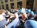 В Италии демонстранты штурмовали мэрию Неаполя, есть пострадавшие