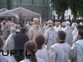 В Киеве молились и плакали. Как провожали митрополита Владимира (видео)