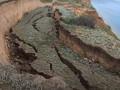 Близ популярного курорта Украины в море рухнуло полкилометра склона