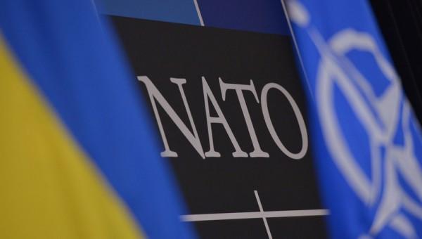 Россия продолжает поддерживать сепаратистов, сообщает НАТО