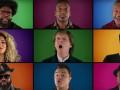 Звезды Голливуда исполнили рождественскую песню