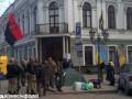 В Одессе недовольные новым прокурором принесли шины