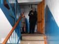 В Полтаве мужчине выстрелили в голову в подъезде жилого дома