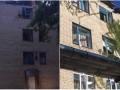 Обстрел Красногоровки: повреждены больница и школа