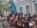 В Киеве полиция задержала активиста у посольства Беларуси