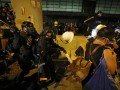 В Гонконге полиция начала разгон протестующих