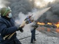 На Грушевского утром жгли шины и запускали фейерверки (ФОТО)