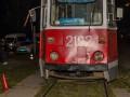 В Днепре под трамвай попала бабушка с 7-летней внучкой