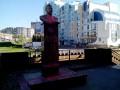 В Липецке облили розовой краской новый памятник Сталину