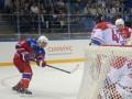 Пользователи сети высмеяли Путина-хоккеиста