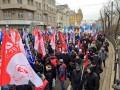 В Москве прошли массовые акции в защиту и против введения войск в Украину