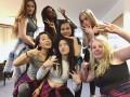 В СМИ попали фото детей Порошенко в британском колледже