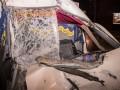 В Киеве Газель с хлебом врезалась в грузовик