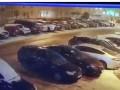 Под Киевом мужчина повредил десяток авто после ссоры с женой