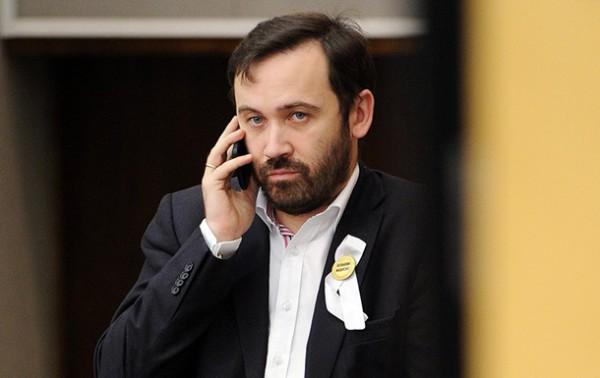Илья Пономарев уверен, что Россия направила в Украину диверсантов.