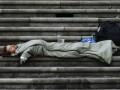 Падение за черту бедности до 2025 грозит каждому третьему европейцу - исследователи