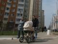 Корреспондент: Больной вопрос. Что надо сделать, чтобы свои квартиры появились у каждой киевской семьи с доходом $ 1,5-2,0 тыс