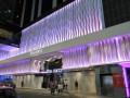 В Гонконге туристку убило упавшим с отеля окном
