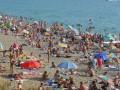 Аналитики выяснили, кем могут поработать на курорте в сезон украинцы