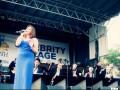Оркестр расформировали из-за скандала с певицами