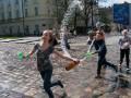 На Западной Украине отмечают поливальный понедельник