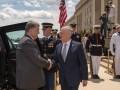 Порошенко встретится с главой Пентагона в Киеве