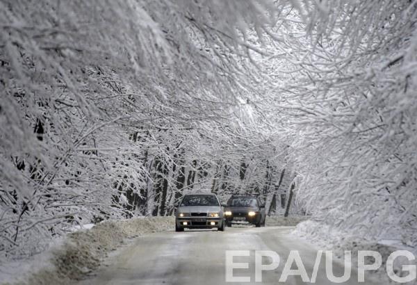 В Украине из-за снегопадов на некоторых дорогах проблемы