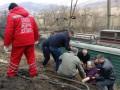 В Закарпатье авто рухнуло с обрыва на ж/д рельсы