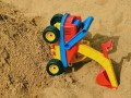 Под Львовом мальчика насмерть засыпало песком