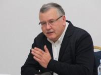 Перед пресс-конференцией Гриценко в Харькове возник скандал с местными журналистами