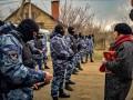 В Крыму ФСБ проводит обыски у десятков крымских татар
