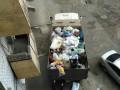 Из квартиры в Днепре вывезли грузовик мусора