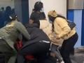 В аэропорту США подрались пассажиры