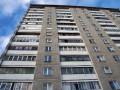 В Киеве мужчина во время обыска выпрыгнул с балкона 10-го этажа