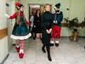 Первая леди в сопровождении эльфов посетила детскую больницу в Боярке
