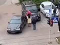 В Киеве девушка протаранила машину отца во время ссоры