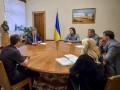 Порошенко встретился с инициативной группой помощи военным в Иловайске