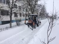367 единиц техники Киевавтодора расчищают столичные дороги от снега
