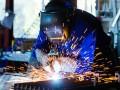 Украинцы выбирают рабочие специальности: Сколько платят
