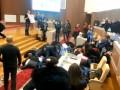 Ложись, Беркут! Сумские студенты устроили флешмоб на заседании горсовета