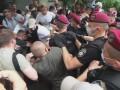 Драка под судом: Стерненко сообщил, что копы