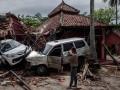 Мощное цунами в Индонезии: кадры последствий