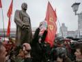 В Минске с потасовками установили памятник Ленину