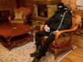 Дома соратников Януковича охраняют