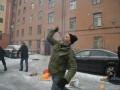 В Петербурге закидали украинское представительство костями